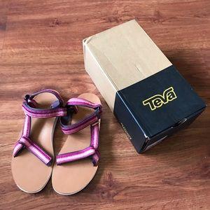NWB Teva Original Universal Ombré Sandals